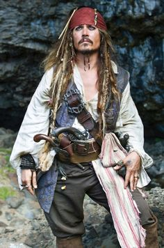 Johnny Depp as Captain Jack Sparrow in Pirates of the Caribbean:On Stranger Tides Captain Jack Sparrow, Jack Sparrow Kostüm, Jack Sparrow Fantasia, Jack Sparrow Cosplay, Film Pirates, The Pirates, Pirates Of The Caribbean, Beautiful Men, Beautiful People