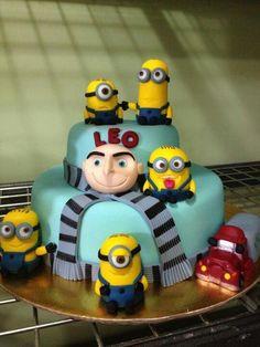 Nuevas Tendencias en Decoración de Tortas: Tortas y Cupcakes con Forma de Minions