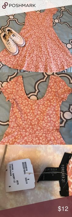 Forever 21 Floral Skater Dress NWT. Size S. Perfect with a pair of sneakers. Forever 21 Dresses Mini
