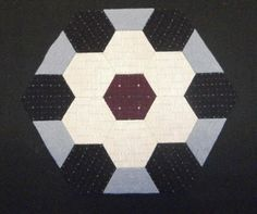 Hexagonos y rombos hechos con nuestro producto Templatesquick ®™ REF: TI30H y medios hexágonos( la pieza doblada)