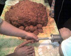 Čabajská klobása - recept | Varecha.sk Beef, Desserts, Food, Meat, Tailgate Desserts, Meal, Dessert, Eten, Meals