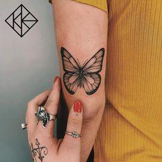Dainty Tattoos, Dope Tattoos, Pretty Tattoos, Mini Tattoos, Body Art Tattoos, Sleeve Tattoos, Tatoos, Butterfly Tattoo Designs, Small Tattoo Designs