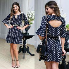 """""""Pra começar a semana cheia de estilo, escolhemos esse vestido super fresh e fofo da linda @arianecanovas!!! """""""