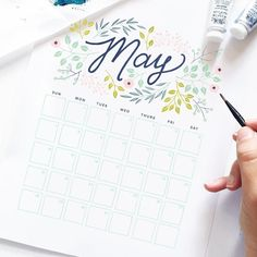"1,522 curtidas, 17 comentários - Archer And Olive (@archerandolive) no Instagram: ""It's that time again for our free monthly calendar printable. I lobe the bright spring colors in…"""