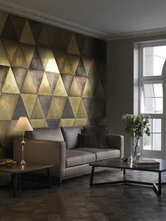 papier-peint-geometrique-triangles-nuances-or-gris-salon