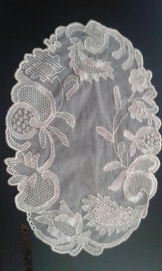 . Embroidery Patterns, Hand Embroidery, Diy And Crafts, Paper Crafts, Creative Embroidery, Needle Lace, Irish Lace, Darning, Antique Lace