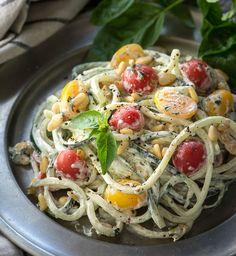 Noodles de pepino con salsa cremosa de albahaca y piñones | #Receta de cocina | #Vegana - Vegetariana ecoagricultor.com