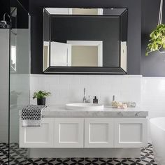 We love the moody tones in this gorgeous bathroom featuring our London vanity. Fabulous work ADP ( We love the moody tones in this gorgeous bathroom featuring our London vanity. Hampton Style Bathrooms, Large Bathrooms, Amazing Bathrooms, Small Bathroom, Bathroom Ideas, Bathroom Hacks, Bathroom Vintage, Bathroom Laundry, Luxury Bathrooms