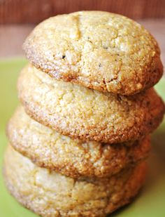 Brown Butter Cornmeal Cookies with Basil-Lime Glaze – Foodette Reviews
