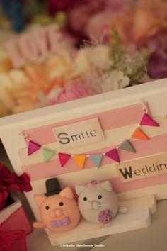kitty and Cat MochiEgg wedding cake topper. Wedding planning, ideas, cake decoration and gift. #handamdecaketopper #kitten #cute #animals #custom #cakebanner #kikuikestudio #weddingdecor #Katze #ネコ #gato #chat