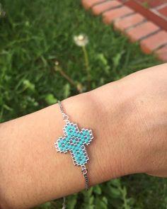 Beaded Jewelry Patterns, Beading Patterns, Brick Stitch Earrings, Beaded Cross, Homemade Jewelry, Macrame Bracelets, Beaded Rings, Bead Crochet, Loom Beading