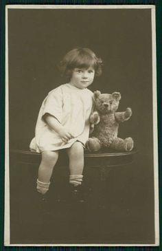 Teddy Bear Attentive Child Girl Original Old 1910s