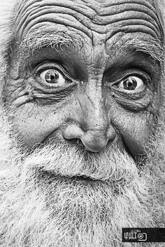 Face, old man, expression, wrinckles, intense eyes, lines of Life, portrait, photo b/w