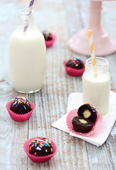 filled brownie bites....like cake balls, but brownies and stuffed with your choice of yumminess (marshmallow or nutella.....oh the decisions)