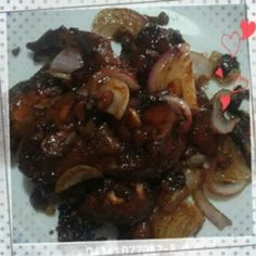 My own version of Drunken Chicken. Cooked chicken with its marinate of wine, vinegar, coffee, soy sauce and calamansi. Cooked until sauce thickens and added onions.