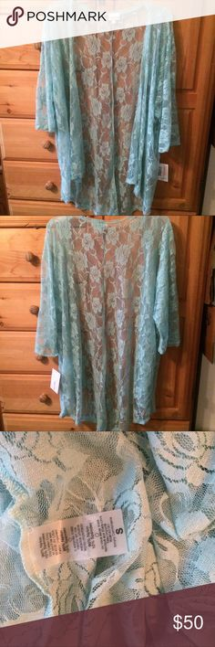 Light Blue Rose Floral Flower Lindsay Coverup S Brand New with tags attached!   Lularoe  Small Sized Light Blue Aqua Teal Floral Rose Flower Lace Unicorn Lindsay Kimono   Super light lace that's perfect for spring or summer as a cover up for your Carly, Julia, Tee, Bathing suit, etc!   Stored & shipped in a plastic bag to prevent damage in transit  Ships fast from a smoke-free home! LuLaRoe Tops