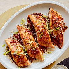 Nutritious Snack Tips For Equally Young Ones And Adults Sous Vide Salmon Teriyaki Williams Sonoma Salsa Teriyaki Casera, Teriyaki Salmon, Fish Recipes, Seafood Recipes, Cooking Recipes, Dinner Games, Sous Vide Cooking, Fish And Seafood, Food And Drink