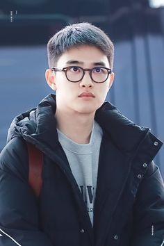 Kyungsoo [HQ] 181119 Incheon Airport, departing for Kaohsiung Baekhyun Chanyeol, K Pop, Luhan And Kris, Exo Album, Exo Official, Chansoo, Exo Korean, Exo Ot12, Do Kyung Soo