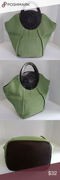 Coldwater Creek extra large green purse Just stunning green linen straw like purse with wooden handles in good condition, handles show some light wear Coldwater Creek Bags Totes