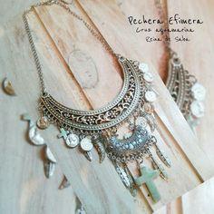 Pechera, Collar Con Piedra Natural Y Dijes - $ 220,00 en MercadoLibre