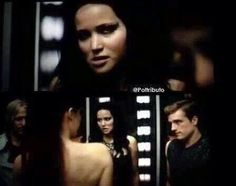 Little spoiler of Catching Fire Movie  I can't stop to laugh in this part really Katniss face kill me  I love the movie .lll. Francis Lawrence amazing movie