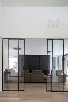 Sliding doors are also practical and now very popular. For you who have small spaces at home, sliding doors are a perfect choice. Here are some sliding doors ideas for your beautiful home. Check these out Interior Architecture, Interior And Exterior, Interior Design, Exterior Doors, Steel Doors, Deco Design, Design Trends, Innovation Design, Cheap Home Decor