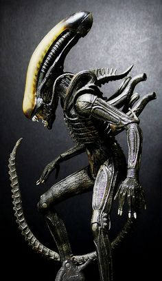 Alien (NECA) by Jova Cheung, via Flickr