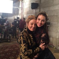 New photos of the cast of 'Reign' have been posted as they film the second season where they look a lot happier than their characters. Reign Cast, Reign Tv Show, Brisbane, Melbourne, Adelaide Kane, Mary Queen Of Scots, Queen Mary, Megan Follows Reign, Reign Season 2