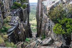 Solomon's Throne Peak, Wall of Jerusalem National Park, Tasmania. Australia Honeymoon, Australia Travel, Wildlife Park, Closer To Nature, Tasmania, Historical Sites, Jerusalem, Cool Places To Visit, East Coast