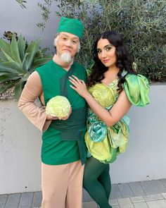 """Safiya Nygaard's Instagram photo: """"a cabbage man & his sexy cabbage 🥬 costumes by @elhofferdesign, hair/makeup by @ciciandersen 🌱 swipe for more surprises, including tyler…"""" Avatar Kyoshi, Avatar The Last Airbender, Avatar Costumes, Cosplay Costumes, Cosplay Ideas, Avatar Studios, Avatar Characters, Iroh, Korrasami"""