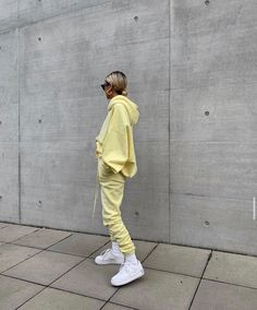 Best Sweatsuit Ideas To Feel Comfortable And Look Good 39 Chill Outfits, Cute Casual Outfits, Mode Outfits, Fashion Outfits, Stylish Outfits, Summer Outfits, Men Casual, Style Streetwear, Streetwear Fashion