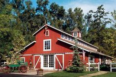 How to Turn a Barn Into a Beautiful Home Reimagining outmoded outbuildings as a comfortable home, complete with lofty interior, rugged timbers, and a backstory like no other Barn House Plans, Barn Plans, Barn Loft Apartment, Apartment Plans, Barn Bedrooms, Converted Barn, Barn Living, Pole Barn Homes, Old Houses