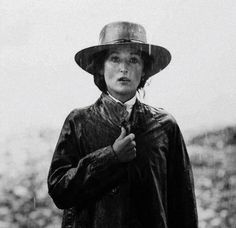 Meryl Streep • Out of Africa directed by Sydney Pollack 1985