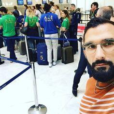En route pour #BakuGP dès que l'équipe de Volley Azeri nous laisse passer.