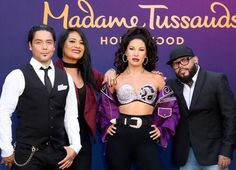 Chris Perez (L), Suzette, Wax figure of Selena, A.Madame Tussauds Hollywood unveiling of the wax figure of Selena Selena Quintanilla Perez, Suzette Quintanilla, Madame Tussauds, Jennifer Lopez, Kim Kardashian, Selena And Chris Perez, Jackson, Corpus Christi, Queen