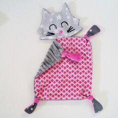 Doudou chat, doudou plat gris et rose
