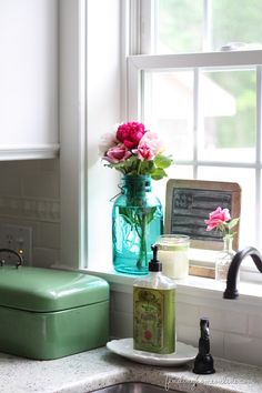 Home Decorating Style 2019 for Kitchen Window Sill Decor Ideas, you can see Kitchen Window Sill Decor Ideas and more pictures for Home Interior Designing 2019 6980 at HGTVimage. Kitchen Sink Window, Kitchen Decor, Kitchen Tips, Kitchen Centerpiece, Centerpiece Ideas, Kitchen Styling, Kitchen Ideas, Kitchen Design, Home Design