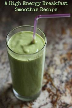 High Energy Breakfast Smoothie - This breakfast smoothie recipe is quick to make, full of energizing ingredients and is a delicious and healthy way to start your day with more energy. Energy Smoothie Recipes, Energy Smoothies, Breakfast Smoothie Recipes, Superfood Smoothies, Healthy Smoothies, Best Green Smoothie, Juice Smoothie, Smoothie Detox, Green Drink Recipes