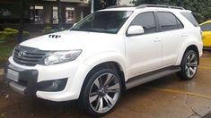 """Toyota Hilux SW4 2012 com rodas aro 22"""" e pneus Nexen 285/35/22 foto 1"""