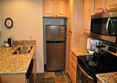 Where To Stay: a deluxe 1 bedroom condominium that sleeps 4 to 6 people. Enjoy new carpet, flooring, cabinets, etc. Great walking distance to shopping, dining and entertainment, this property has easy access to the Green Line winter shuttle route to the ski area.