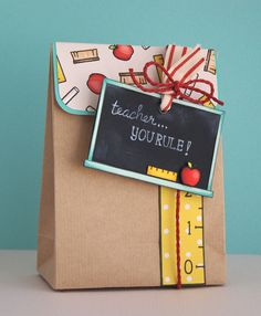 Me encantaaaaaaaaaaaa!!! para Uds que regalan a los maestros (y pronto, a los profes de Quimica de sus hijos!!!) @Nathalie Naranjo @CH PaperArt
