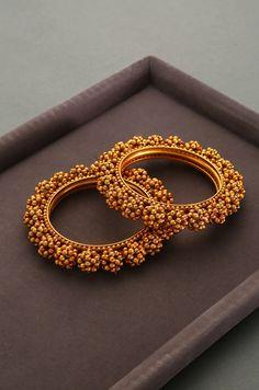 Ginisha Temple Work Floral Emboss Bangles - Set of 2 – Paisley Pop Shop Gold Bangles Design, Gold Jewellery Design, Fancy Jewellery, Diamond Jewellery, Jewelry Design Earrings, Gold Earrings Designs, Jewelry Art, Antique Jewellery Designs, Antique Jewelry