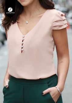 57 Casual Outfits Trending Today in 2019 Blouse Styles, Blouse Designs, Elegantes Outfit Damen, Modest Fashion, Fashion Outfits, Fashion Blouses, Sleeves Designs For Dresses, Cute Casual Outfits, Fashion Clothes