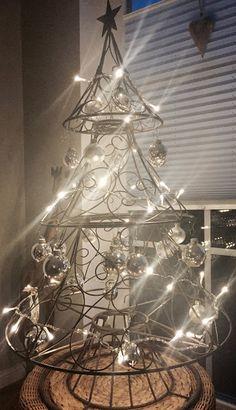 Sunnys Haus: Minimalistischer Weihnachtsbaum