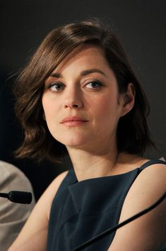 Marion Cotillard Photos - Actress Marion Cotillard attends the press conference for 'Blood Ties' during The Annual Cannes Film Festival at Palais des Festivals on May 2013 in Cannes, France. - 'Blood Ties' Press Conference in Cannes Brunette Actresses, Female Actresses, Actors & Actresses, Marion Cotillard Hair, Marion Cotilard, French Bob, Star Francaise, Palais Des Festivals, Celebrity Travel