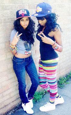 Snapback girls in street wears!! Just so simple but so cool! Same snapback on http://www.wonderfulsnapbackswholesale.com/New-Era-NBA-Chicago-Bulls-9FIFTY-Snapback-Cap-p-13674.html