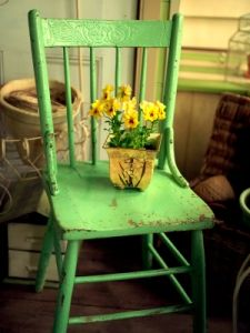 Old chairs can be used to create a country cottage feel to any room.  Google Image Result for http://www.interior-design-it-yourself.com/images/country_cottage_decorating_chair.jpg
