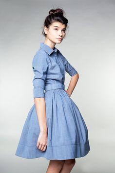 Vestido de lana azul por la Sra. Pomeranz