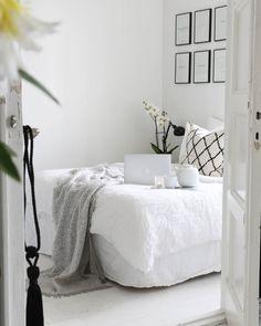 """2,359 tykkäystä, 41 kommenttia - @65m2_ Instagramissa: """"Evening tea & off to bed Good Night . . . . #homestyle #bedroom #Interior #interiordesign…"""""""