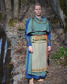 Viking age / Luistari Finland Viking Life, Viking Woman, Iron Age, Finnish Women, Fantasy Women, Medieval Fantasy, Larp, Womens Fashion, Outfits